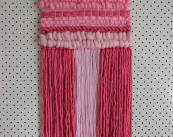 Medium woven wall hanging - pink