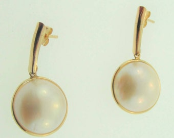 Mother of Pearl Drop Ring- 14k Yellow Gold