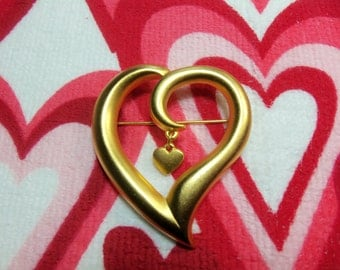 Retro Satin Finish Gold Tone Stylized Heart Figural Pin Brooch with Inner Dangling Heart