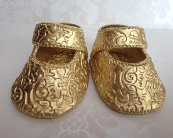 Gold Baby Shower Shoes. Fondant Baby Shoes Cake Topper. First Birthday Cake Topper. Vintage Baby Shoes Topper. Baptism Cake Topper.