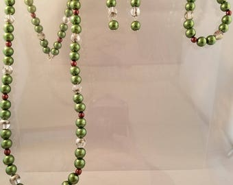 Classy Green and Maroon Glass Pearl Jewelry Set: Necklace, Bracelet, and Earrings