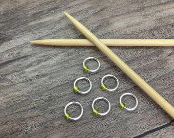 O Ring Stitch Markers, Silver & Green Stitch Marker, Round Stitch Markers, Dangle Free Markers, Gifts for Knitter, Knitting Tool, Snag Free