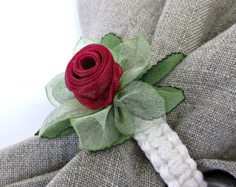 Small dinty Silk flower napkin rings Red rose bud Wedding party napkin holders Table decoration