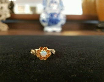 Vintage Opal Ring 10K Yellow Gold Size 5 1/4