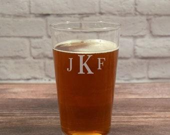 Monogram Beer Glass, Monogram Pint Glass, Beer Glass Initials, Beer Monogram, Monogram Beer Glasses, Custom Beer Initials, Groomsmen Gift