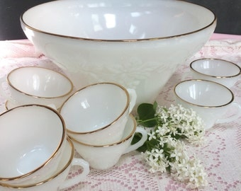 Beautiful Vintage Anchor Hocking Milk Glass Punch Bowl Set, Grape and Leaf Design White Punch Bowl & 8 Cups, Gold Trim, Shabby Chic, 1970's