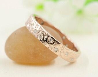 Rose Gold Wedding Band.Diamond Wedding Band.Dots Hammered Wedding Band.14k Rose Gold Wedding Ring.Star Dust Ring.