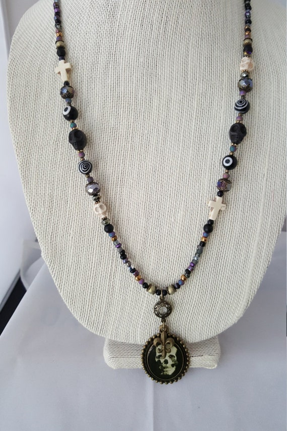 Day of the Dead Goth necklace with skull pendant
