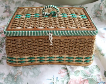 Vintage Green & White Sewing Basket/ Wicker Sewing Basket/Sewing and Needlework Storage/Organisation/ Fiber Arts/ Sewing (001E)