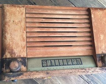 Free Domestic Shipping !! Vintage General Electric Wooden Tube Radio