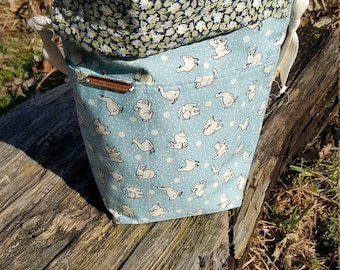 Reversible drawstring project bag for knitting, crochet with cute baby aninals