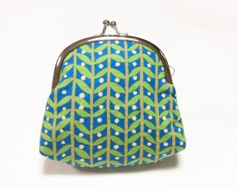 Frame coin purse - green leaves on blue - coin pouch - snap pouch - frame purse - gamaguchi pouch