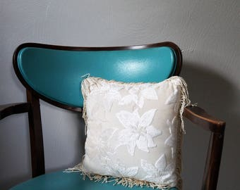 cream throw pillow - velvet chenille floral throw pillow - tasseled and fringed pillow - vintage pillow with fringe - white fringed pillow
