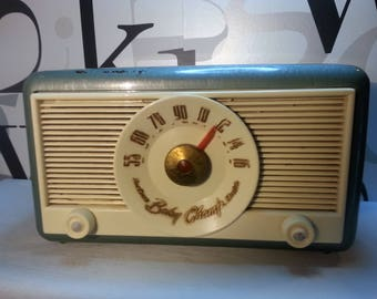 Vintage Northern Electric Baby Champ Mid Century Radio