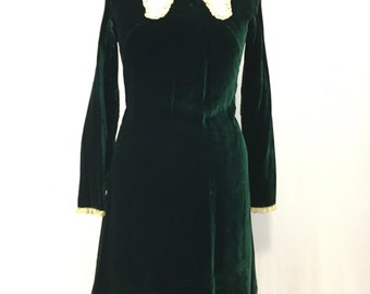 Late 60's/early 70's Vintage Emerald green velvet dress w/lace Peter Pan collar.