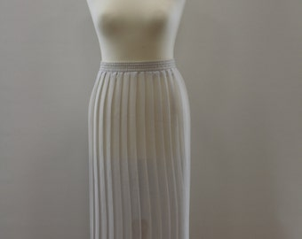 Pleated Skirt (White)