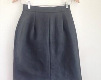 Size 8 black fake leather 80's mini skirt