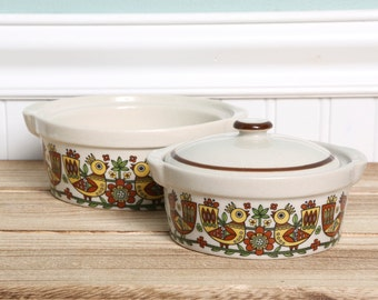 Vintage Stoneware Oven to Table Covered Dish-Made in Japan-Folk Art Dutch Yellow Birds Crock Pot-Set of 2-Dutch-Stoneware Bowl-Covered Bowl