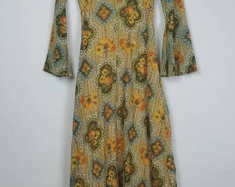1970's Floral Bell Sleeved Maxi Dress