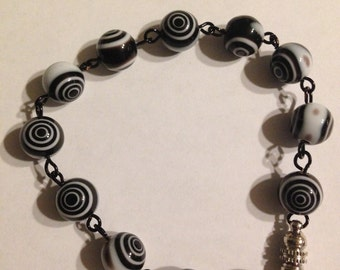Black and white swirl bracelet