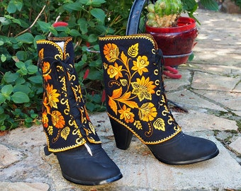 Embroidered Gaiters