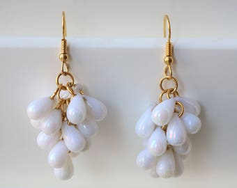 Retro White And Gold Beaded Drop Earrings
