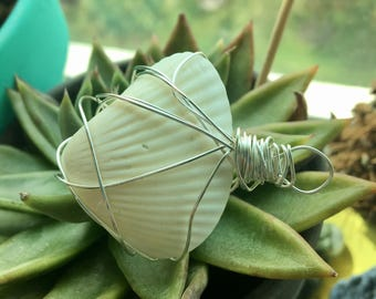 Wire Wrapped Shell Necklace with Hemp Cord (White & Silver)