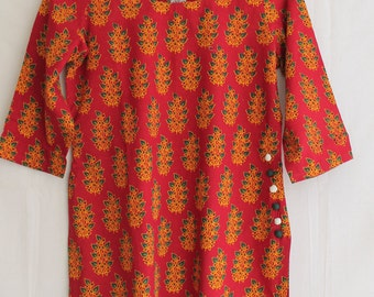 Short cotton block printed red top