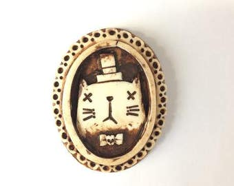 Hobo Cat Brooch (Ivory and Brown)