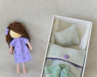 Iris - miniature doll set