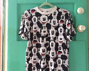 Vintage Mickey Mouse Pattern T Shirt 90s