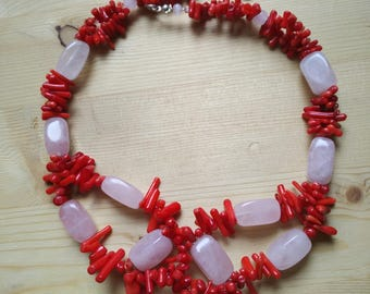 Women's happiness (rose quartz necklace and red coral)