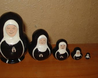 SET OF 5pc hand painted wooden russian matryoshka nesting dolls NUNS