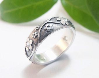 Womens Wedding Band Womens Ring Silver Wedding Band Silver Wedding Band Womens Wedding Ring Silver Diamond Sapphire Statement Ring