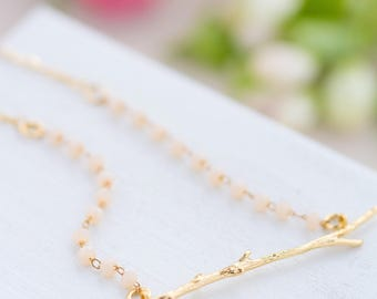 Pink Rose quartz Necklace, Botanical necklace, Nature Lover Necklace,Rose Quartz Necklace, Dainty Gemstone Necklace, Bridesmaids Necklace