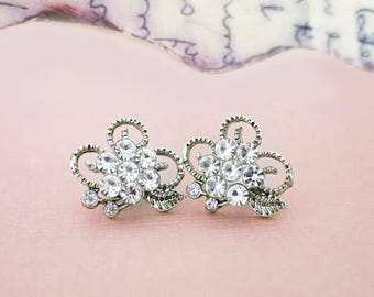 Romantic Crystal Flower Leaf Stud Earrings Vintage Wedding Leaves Stud Tiny Flower Crystal Studs Delicate Cute Small Boho Garden Wedding