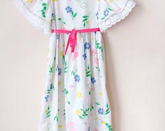 Vintage Girl Dress / Vintage Floral Maxi Dress