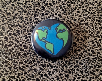 "2 1/4"" pin earth heart"