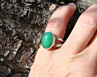 70% OFF Going Out of Business Sale.. Double band with 10x14 Chrysoprase - Sterling Silver Ring- Size 5.25