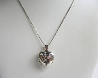 Vintage CW Sterling Silver Etched Double Heart Locket on Sterling Chain Necklace    1462D