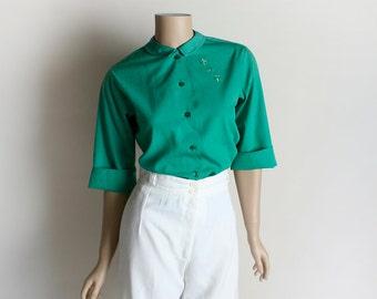 Vintage 1960s Blouse - Emerald Green Cotton Fleur De Lis Embroidered Casual Blouse - Button Up - Medium Small