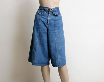 Vintage 1970s Denim Shorts - Culottes - High Waisted Knee Length Capri Pants - Denim Jeans - Faux Pockets and Metal Link Buckle - Small XS