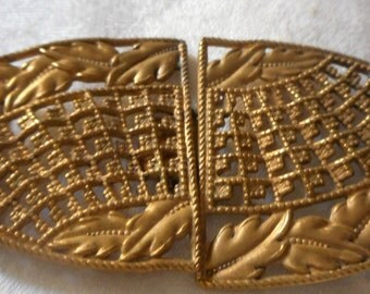 VINTAGE Pierced Gold Metal 2 Piece Belt Buckle