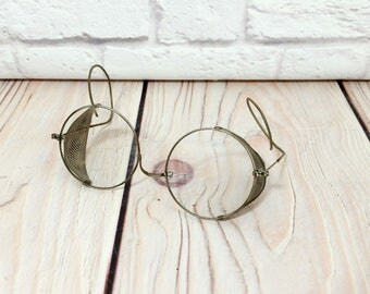 Vintage Victorian Steampunk Motorcycle Style Safety Spectacles Goggles With Metal Mesh Blinders