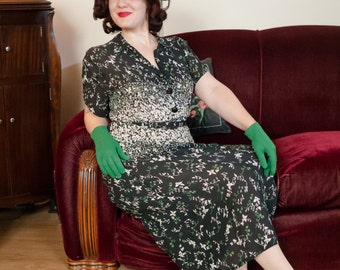 Vintage 1940s Dress - Gorgeous Floral Border Print Semi-Sheer Rayon Shirtwaist 40s Day Dress in Navy Blue, White and Green