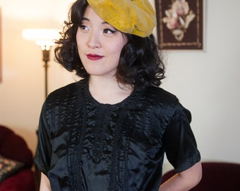 Vintage Edwardian Blouse - Lovely Edwardian Black Weighted Silk 1900s S-Curve Pigeon Blouse with Soutache and Pintucks