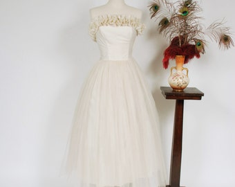 Vintage 1950s Wedding Dress - Strapless 50s Party Dress with Dense Ruffled Trim and Full Tulle Skirt