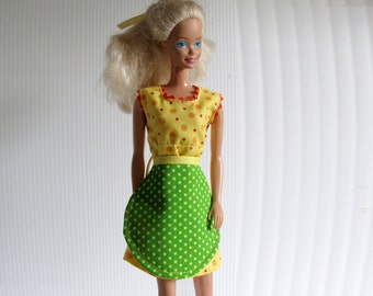 Barbie Handmade Clothes - Dress and Aprin in Retro Style – Handmade - Yellow + Green Polka Dots - Barbie in her Kitchen