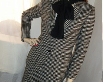 1940s Style Vintage Wool Pendleton Suit Size 8  M U.S.A. Houndstooth Lauren Bacall