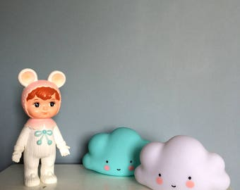 Adorable Kawaii Cloud Night Light Lamps. Available in Turquoise or White